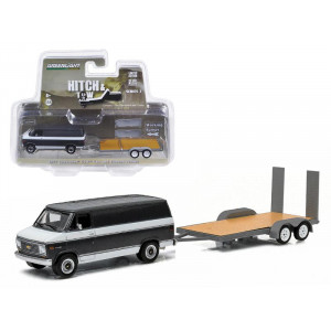 2014 Dodge Ram 1500 & Enclosed Car Hauler Hitch & Tow Series 3 1/64 by Greenlight