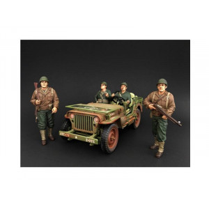 US Army WWII 4 Piece Figure Set For 1:18 Scale Models by American Diorama