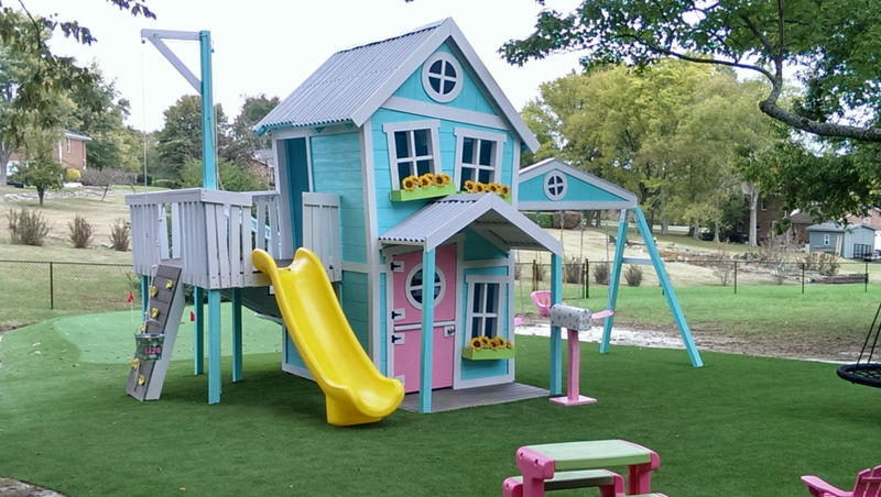 How to Choose an Outdoor Playhouse
